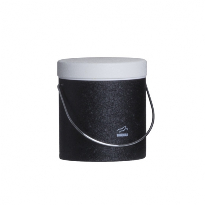 سطل روغن مشکی چروک در سفید